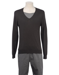 +39 MASQ - Solid V-Neck Sweater