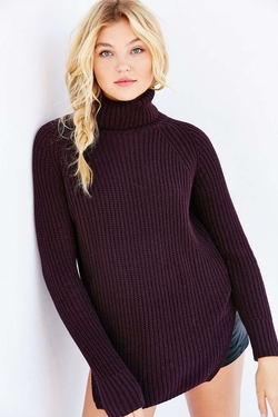 Urban Outfitters - Silence + Noise Harley Shirttail Turtleneck Sweater