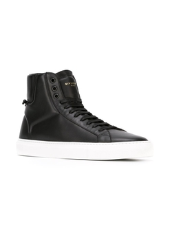 Givenchy   - Classic Hi-Top Sneakers