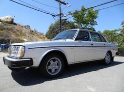 Volvo - 1980 240 Sedan