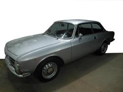 Alfa Romeo  - 1973 GT Junior 1300 Coupe