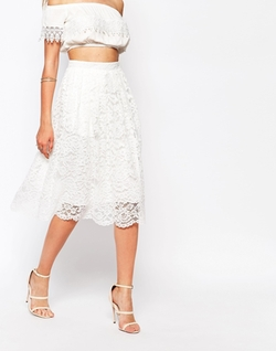 Missguided - Premium Lace Full Midi Skirt