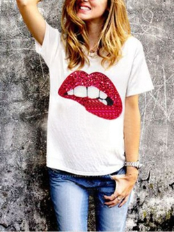 Romwe - Sequined Lip Print T-Shirt
