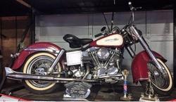 Harley-Davidson - 1966 Electra Glide FLH 1340 Motorbike