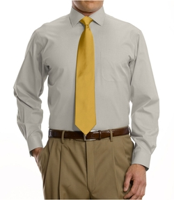 Jos A. Bank - Traveler Tailored Fit Pinpoint Solid Spread Collar Dress Shirt