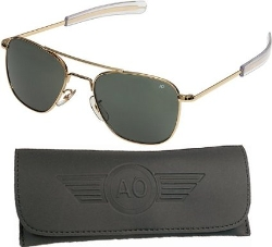 American Optical  - Original Pilot Sunglasses Gold Bayonet Temples