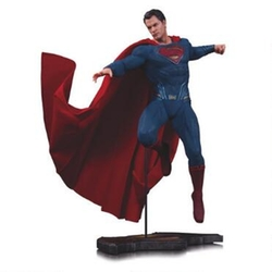 DC Entertainment - Dawn of Justice Superman Statue