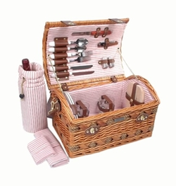 Picnic & Beyond - Willow And Seagrass Picnic Basket