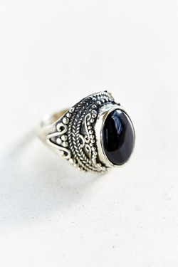 Urban Outfitters - Onyx Stone Ring