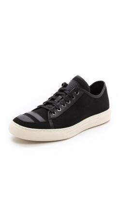 Alejandro Ingelmo  - Kent Sneakers
