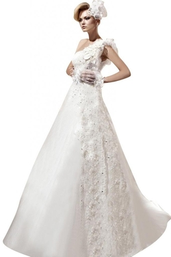 Passat - One-Shoulder Wedding Dress