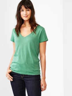 Gap - Essential Short-Sleeve V-Neck Shirt