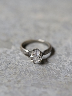 Roost - Solitaire Diamond Ring