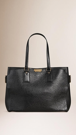 Burberry - Large Signature Grain Leather Tote Bag