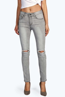 Boohoo - Evie Distressed Ripped Knee Jeans