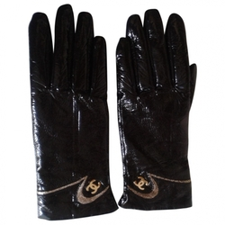 Chanel - Black Patent leather Gloves