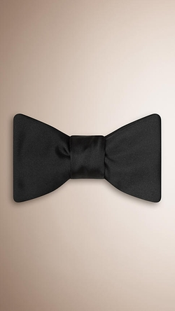Burberry - Silk Bow Tie