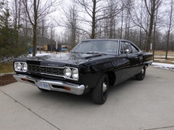 Plymouth  - 1968 Road Runner Hemi Coupe