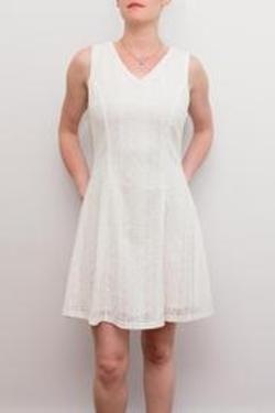 YA - Sleeveless Lace Dress