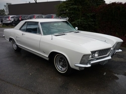 Buick - 1964 Riviera Hardtop Sedan Car