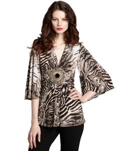 Sky - V-Neck Open Medallion Top