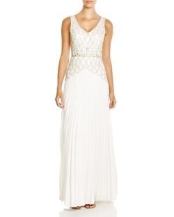 Sue Wong - Sleeveless V-Neck Embellished Gown