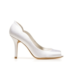 Stuart Weitzman - The Dippy Pumps