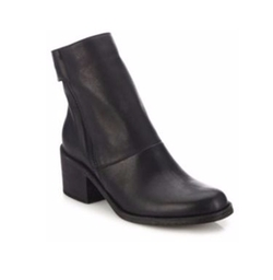 LD Tuttle - The Cave Leather Side-Zip Boots