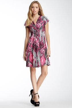 Emploi  - Dupont Neck Knot Dress