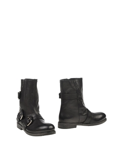 O.X.S. - Zip Closure Ankle Boots