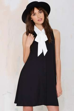 Nasty Gal - Glamorous Swinging London Crepe Dress