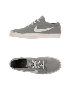 Nike  - Low-Top Sneakers