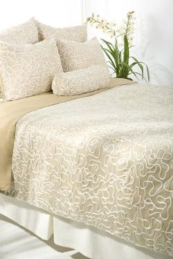 Rizzy Home  - Mulberry 8-Piece Comforter Set