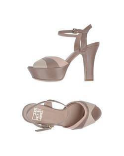 Janet & Janet - Platform Sandals