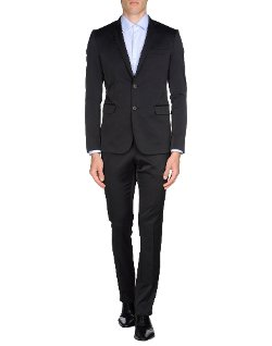 Tombolini - Suit