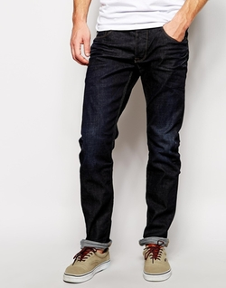 Solid - Straight Fit Jeans