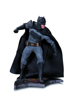 Batman V Superman - Batman 1:6 Scale Statue
