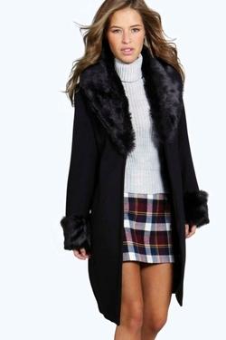 Boohoo Petite - Petite Amber Faux Fur Coat
