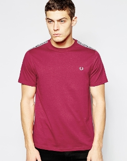 Asos - Fred Perry T-Shirt with Check Shoulder Trim