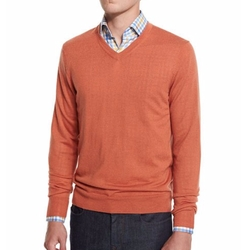 Neiman Marcus  - Cashmere-Silk V-Neck Sweater
