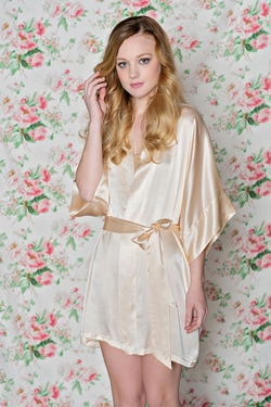 Girl With A Serious Dream - Samantha Silk Robe Kimono