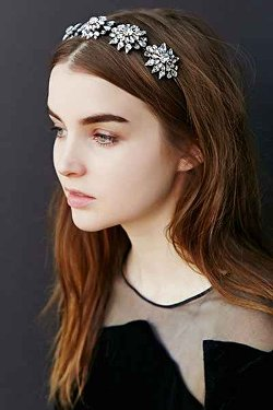 Urban Outfitters - Amber Sceats Crystal Flower Headband