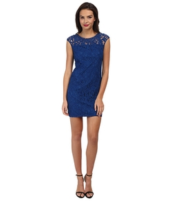 Adrianna Papell - Beaded Classic Lace Shift Dress