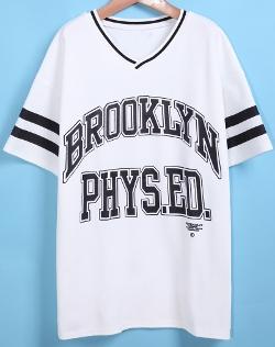 Romwe - V Neck Letter Print Loose T-Shirt