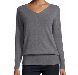 Neiman Marcus Cashmere Collection  - V-Neck Relaxed-Fit Cashmere Sweater
