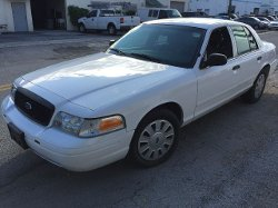 Ford - 2008 Crown Victoria Police Interceptor Car
