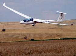 DG Flugzeugbau  - LS 10 Plane