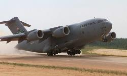 Boeing Globemaster - C-17 Airplane