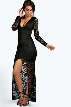 Boohoo - Isobel Plunge Neck Lace Maxi Dress
