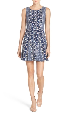 BCBGMAXAZRIA  - Cory Print Jersey Fit & Flare Dress